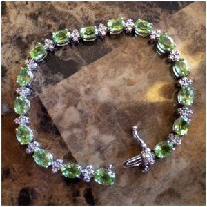 """Jewelry - Beautiful Peridot Bracelet 7"""" long"""